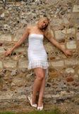 biała sukienkę Obrazy Royalty Free