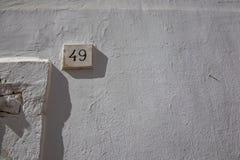 Biała ulica liczba czterdzieści dziewięć 49 obraz stock