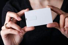 Biała wizytówka, imię karta, usb błyskowej pamięci karty mockup projekt Fotografia Stock