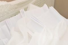 Biała zasłona w pokoju Zdjęcie Royalty Free