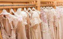 Białe ślubne suknie Obrazy Stock