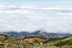 białe chmury Piękny amegine widok od szczytu góry Granu Canaria wyspa Zdjęcia Stock