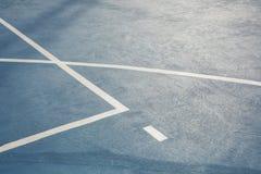 Białe linie na koszykówki podłoga teksturze zdjęcia stock
