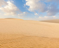 Białe piasek diuny na wschodzie słońca, Mui Ne, Wietnam Fotografia Royalty Free