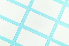 Białe Puste wizytówki Na Błękitnym tle Z Papierową teksturą Zdjęcie Royalty Free