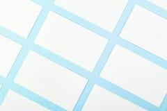 Białe Puste wizytówki Na Błękitnym tle Z Papierową teksturą Fotografia Stock