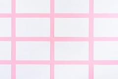 Białe Puste wizytówki Na Różowym tle Z Papierową teksturą Obraz Stock