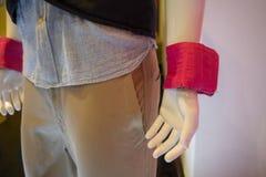 Białego mannequin szkolenia ciężaru wzorcowi jest ubranym różowi nastawczy półdupki Zdjęcia Stock