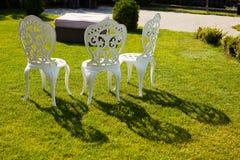 Białego metalu krzesła Zdjęcia Stock