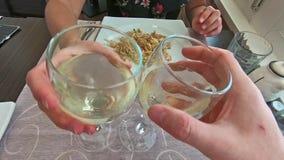 Białego wina szkieł otuchy zdjęcie wideo
