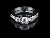 Białego złota diamentowy pierścionek Obrazy Royalty Free