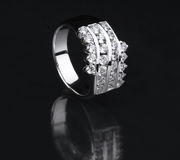 Białego złota diamentowy pierścionek Obraz Royalty Free