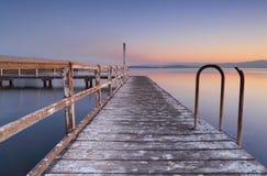 Białkujący jetty przy półmrokiem Zdjęcie Royalty Free