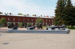 Białoruś Działa na terytorium Brest forteca Maj 23, 2017 Obrazy Royalty Free