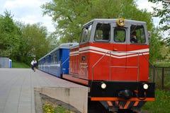 Białoruś, Minsk, children& x27; s kolej, dieslowska lokomotywa, turystyka, Europejskie gry 2019 zdjęcie royalty free