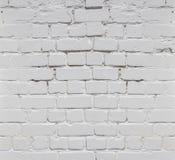 Biały ściana z cegieł tło w wiejskim pokoju, obrazy royalty free