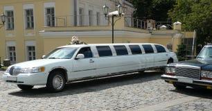 Biały ślubna limuzyna obrazy stock