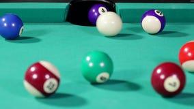Biały bilardowej piłki ciupnięcie liczba cztery zbiory wideo