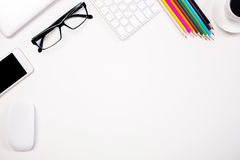 Biały biurko z rzeczami zdjęcia stock