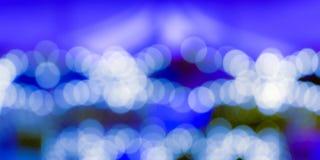 Biały bokeh na błękitnym tle zdjęcie royalty free