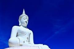 Biały Buddha w niebie Fotografia Royalty Free