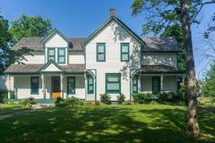 Biały chałupy dom na wsi buduje St Catharines Ontario Canad Fotografia Stock