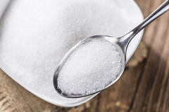 Biały cukier na łyżce Obrazy Stock