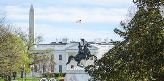 Biały dom w washington dc 7, 2017 - widok od Lafayette kwadrata - washington dc KOLUMBIA, KWIECIEŃ - Fotografia Royalty Free