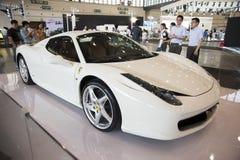 Biały Ferrari samochód Fotografia Stock