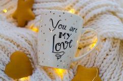 Biały filiżanki ` Ty jesteś mój miłości ` Zdjęcia Royalty Free
