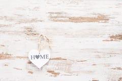 Biały jeleń na rocznika retro drewnianym tle z teksta domem Obrazy Royalty Free