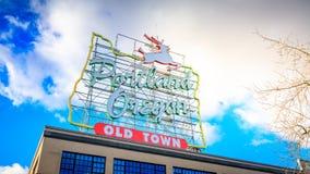 Biały jeleń podpisuje wewnątrz Starego Grodzkiego Portlandzkiego Oregon zdjęcie stock