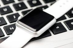 Biały mądrze zegarek Obrazy Royalty Free