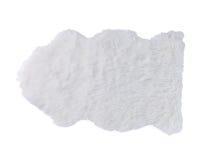 Biały miękki futerkowy dywan odizolowywający zdjęcia stock