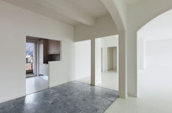 Biały mieszkania wnętrze fotografia royalty free