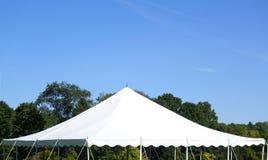 Biały namiotu wierzchołek fotografia stock