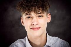 Biały nastoletniego chłopaka studia portret obrazy stock