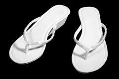 biały odosobneni czerń sandels Zdjęcia Stock