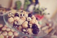 biały odosobnione czekolad trufle obrazy stock