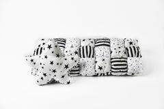 Biały patchwork &-x28; feather&-x29; comforter z gwiazdami i &-x28 czerni i złota; black&-x29; lampasy i biel gwiazda kształtując zdjęcie royalty free