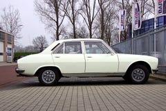 Biały Peugeot 504 obraz stock