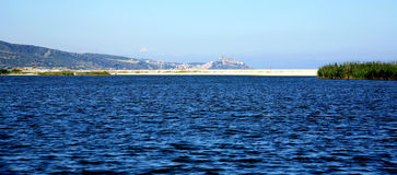 Biały piaska plaża z błękitny morzem w Sardinia Fotografia Royalty Free