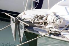 Biały pokład z kotwicą Zdjęcie Royalty Free