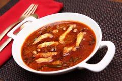Biały popas ryba curry, Nethili meen kulambu, Nethili ryba curry obraz royalty free