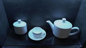 Biały porcelany kawowy ustawiający w kawiarni lub w kuchni zbiory