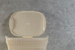 Biały pralnianego kosza zakończenie zdjęcia stock