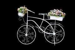 Biały rower robić stalowa rama, stosowny dla ogrodowej dekoraci obraz royalty free
