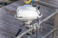 Biały silnik motorowa łódź fotografia stock