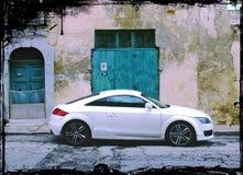 Biały sporta samochodu Słoisty Grungy fotografia stock