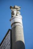 Biały szpaltowy Chiński smok rzeźby filar Zdjęcia Royalty Free